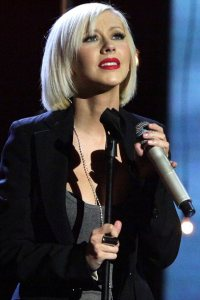 Christina sings for Haiti