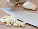 How to prepare garlic
