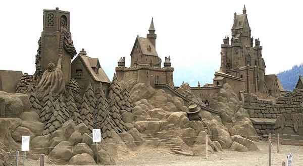 Building Sand Castles : Build a sand castle