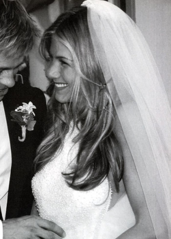 jennifer aniston bangs hair. Jennifer Aniston