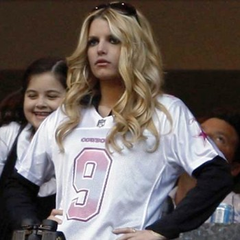 Will Jessica Simpson still cheer for the Cowboys?