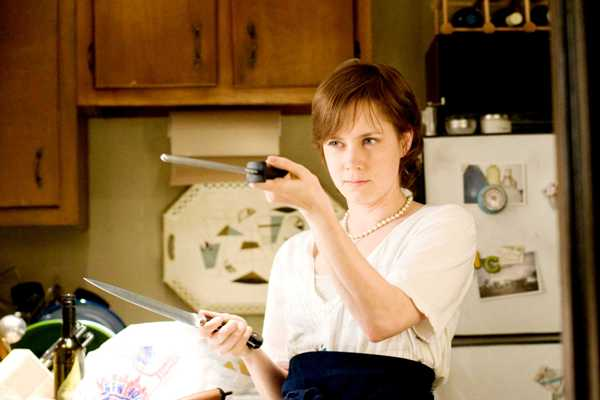 Amy Adams knife expert, courtesy of Julie and Julia