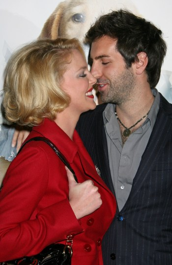 Katherine Heigl and hubby Josh Kelley at the Marley and Me premiere