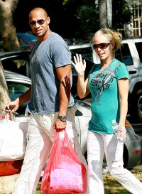 Kendra Wilkinson and Hank Bassett