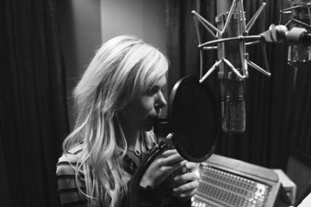 Laura Bell Bundy inside the studio recording Achin and Shakin