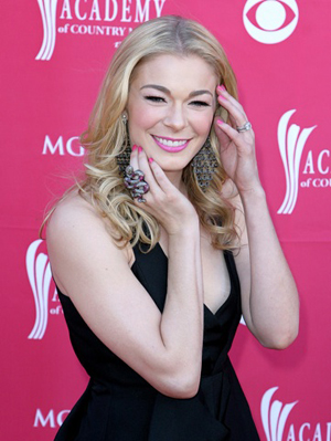 LeAnn Rimes is all smiles