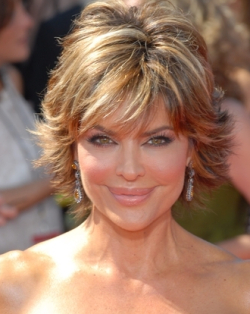 Style Straight Hair on Short Shag Cut Lisa Rinna S Haircut Left Is A