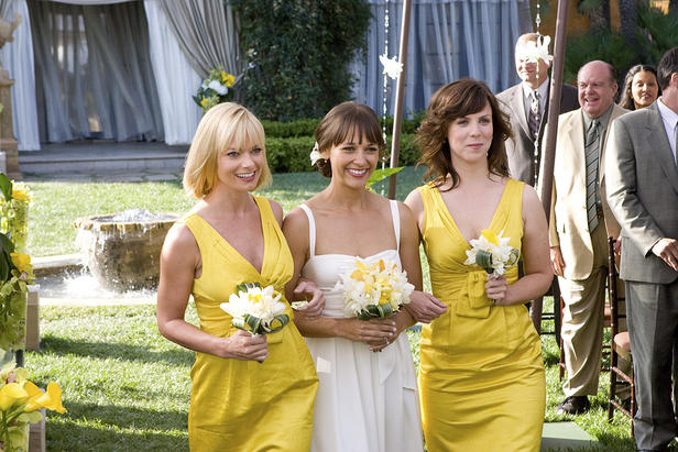 Jamie Pressly, Rashida Jones and Sarah Burns take a walk