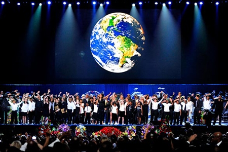 Earth Song performed at Michael Jackson's memorial