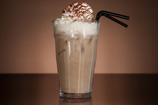 Охлаждаем кофе в холодильнике или на льду.  Просмотров: 287.  Olya.