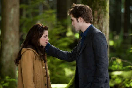 Kristen Stewart as Bella and Robert Pattinson as Edward in New Moon