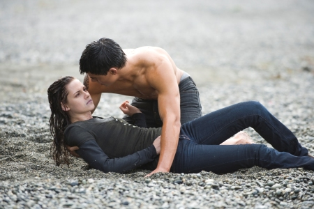 Jacob rescues Bella, not that this is a problem
