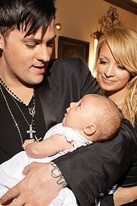 Joel Madden and Nicole Richie with Harlow