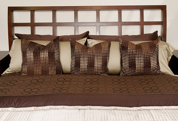 bed - get organized in the bedroom