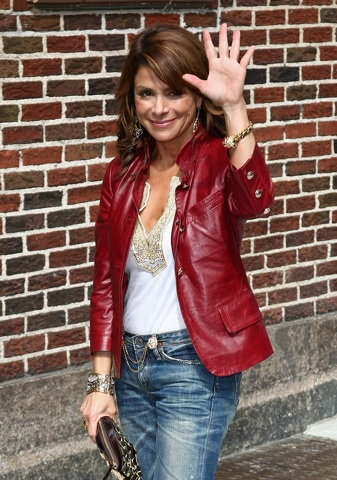 Paula Abdul Twitters she's leaving American Idol