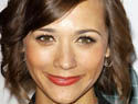 Rashida Jones talks kissing Zooey Deschanel