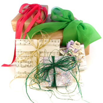 8 Creative Christmas Gift Wrapping Ideas