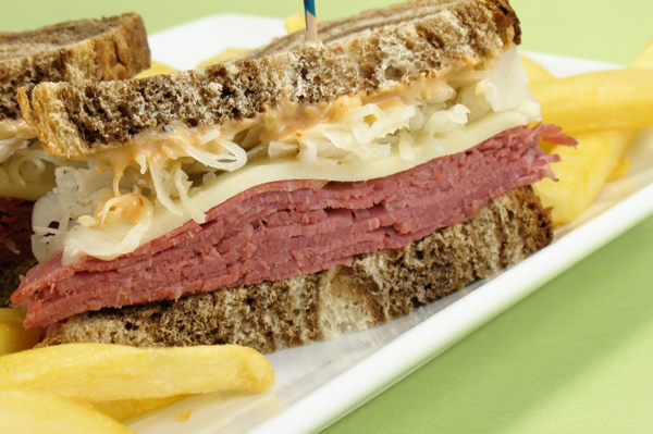 Reuben Sandwich & Chips
