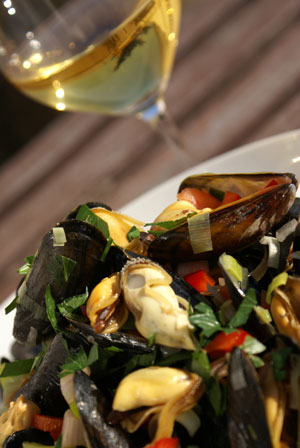 Steamed Mussels with Chablis