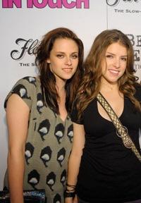 Kristen Stewart and Anna Kendrick