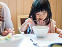 Teaching kids lunchtime table manners