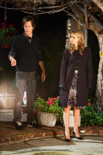 Kevin Bacon directs his wife, Kyra Sedgwick, in the season finale of The Closer