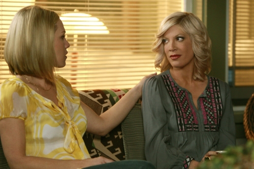 Tori Spelling returns to 90210 on April 14 on The CW.