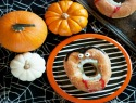 Hilarious no-bake vampire doughnuts definitely need to see the light of day
