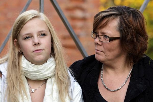 Tween Girl and Mom
