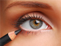 Eyeliner application for dummies: Tips for achieving a polished, clean look