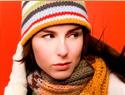 ...модно осенью 2009 носить вязанную длинную шапку-чулок или шапку-носок.