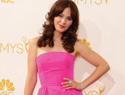 Zooey Deschanel's Emmys nail art is adorably pink