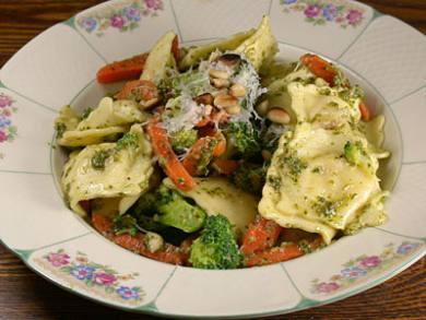 Ravioli with Pesto and Veggies