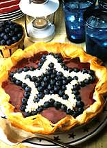Red, white & blueberry cheesecake pie