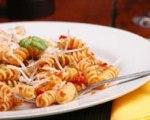 Sun dried tomato pesto pasta salad