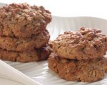 Chewy oatmeal walnut raisin cookies