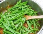 Green beans with candied pecans