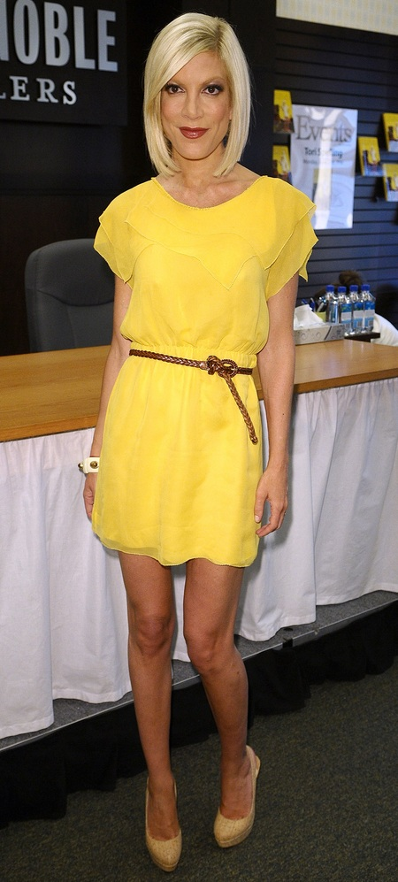 Tori in yellow