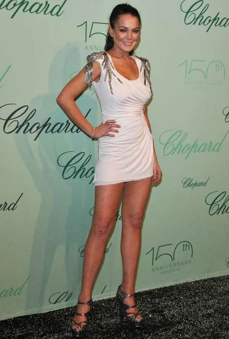 Lindsay Lohan shows off legs in Cannes