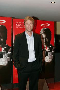 "Aaron Eckhart at Paris Screening of ""Thank You for Smoking"""