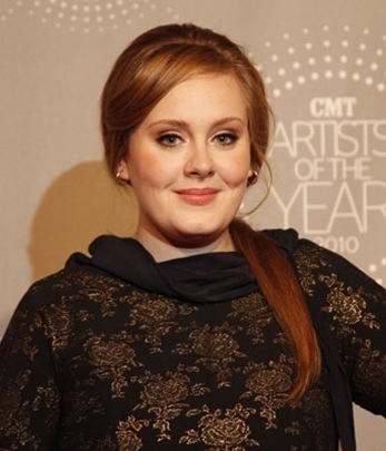 Adele with simple hairstyles