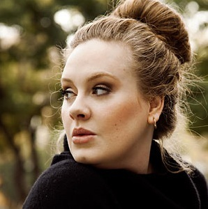 Adele with an easy hairstyle