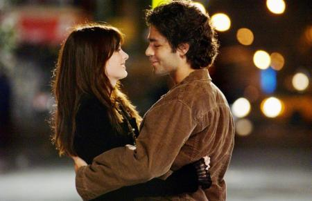 Grenier-Hathaway. Adrian Grenier and Anne Hathaway in Devil Wears Prada