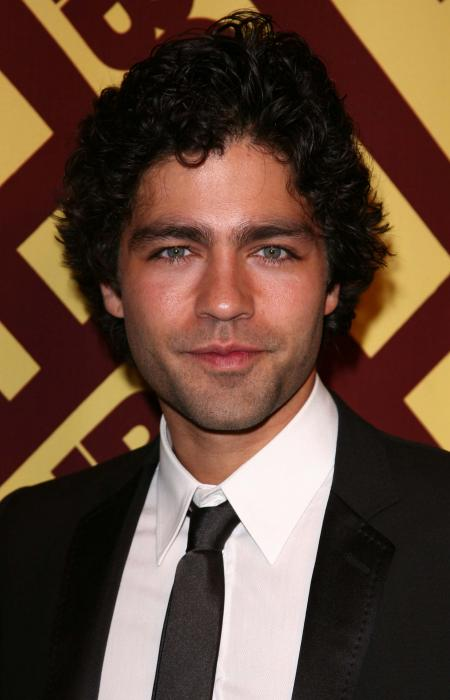 Adrian Grenier Golden Globe red carpet
