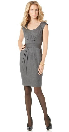 Scoopneck sleeveless sheath dress
