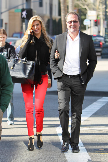 Alexis Bellino and her husband go Christmas shopping