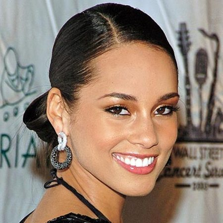 Alicia Keys chignon