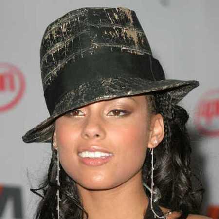 Alicia Keys hat