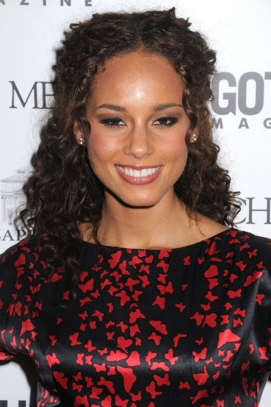 Alicia Keys' curly hairstyle