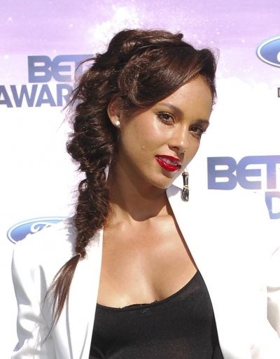 Alicia Keys' Twisted Fishtail Braid